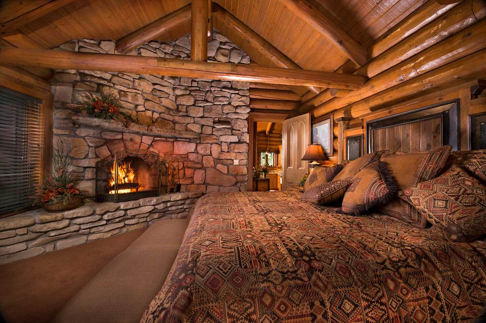 log home master bedrooms the bluff house 15927